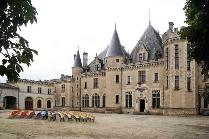 8 chateau montaigne w
